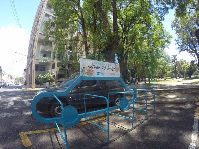Hoy el estacionamiento desierto. Foto <b>UNO. </b>