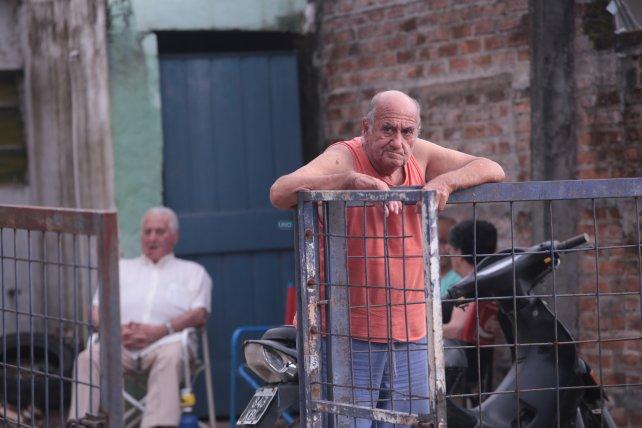 El vecino mira las bajadas en skate. Foto <b>UNO </b>Juan Ignacio Pereira<b>. </b>
