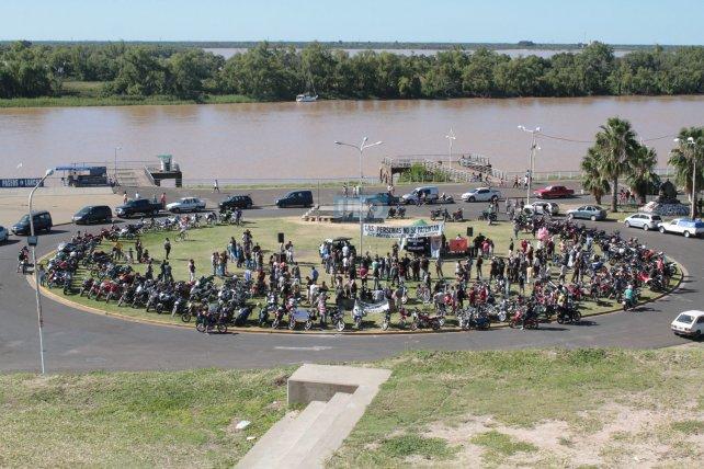 Más de 500 motociclistas se reunieron en la costanera. Foto <b>UNO</b> Juan Ignacio Pereira.&amp;nbsp;