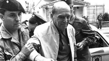 El coronel Franco: daba consejos al clan, proveía las armas con las que luego cometían los crímenes y, por sus contactos, avisaba si las familias de las víctimas habían llamado a la policía