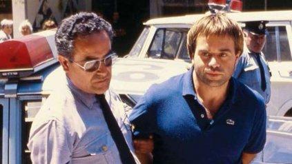 """""""Maguila"""", al ser detenido, en 1985."""