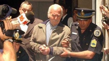 Arquímedes Puccio pasó 23 años preso, se recibió de abogado en Devoto y rehizo su vida sentimental con una mujer 45 años menor que él