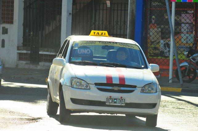 Los taxistas giraron todo el día. Foto <b>UNO</b>&amp;nbsp;Juan Manuel Hernández.&amp;nbsp;