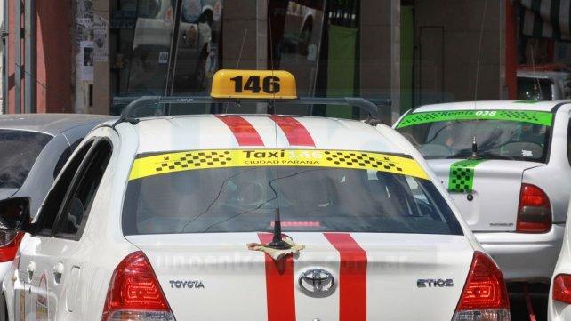 En la calle. Los taxistas, además, propusieron medidas de seguridad para choferes y pasajeros.