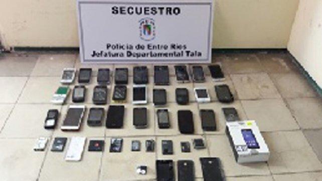 <b>Recién robados.</b> La policía localizó parte de lo sustraído.