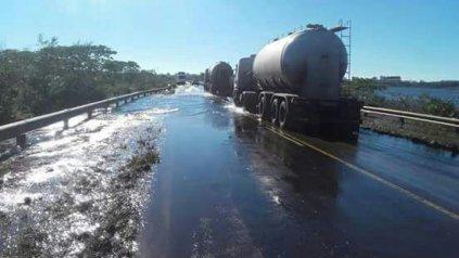 <b>Ruta 14</b>. Corrientes podría quedar sin tránsito en la costa del Uruguay.