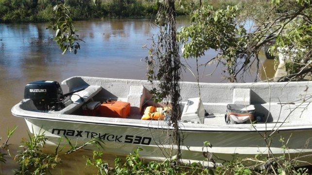 <b> Embarcados</b>. Los cazadores furtivos llegaron en una lancha.