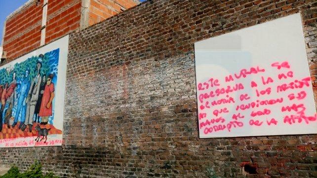 El texto es agresivo pero como está mal escrito, perdió fuerza, aunque el daño ya está hecho.