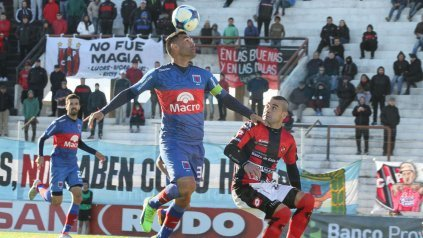 En el debut de Caruso Lombardi, Tigre se reencontró con la victoria