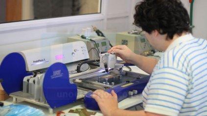 <p>Laboratorio de Prototipado Electrónico y 3D. </p><p></p>