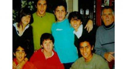 """Barrio. La pareja con sus amigos de Rosario, """"una tarde como tantas"""" había dicho Lío del reporte."""