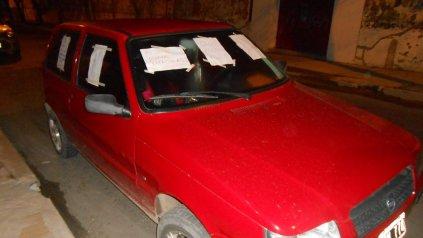 <b>Ausencia</b>. Tres horas estuvo el vehículo en la puerta de un garage que la conductora nunca vio.