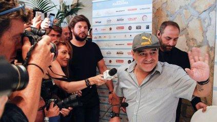 Maradona será declarado ciudadano honorario en Nápoles