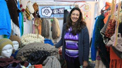 Tejidos e hilados. Marcela Giménez suma valor agregado a sus prendas y se destaca.