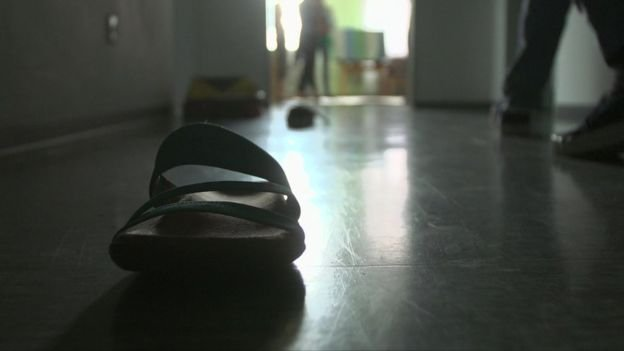 <div><p>Ekhlas vive actualmente en un hospital psiquiátrico en Alemania.</p></div>