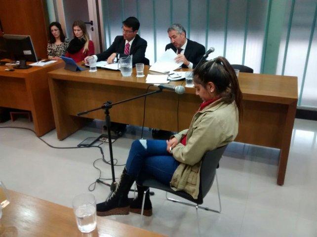<b>Lágrimas y más lágrimas</b>. La procesada lloró bastante en su declaración ante el tribunal. Foto: Javier Aragón