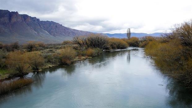 El río Chubut, lugar donde fue hallado el cuerpo. Foto: Archivo / Hernán Zenteno. La Nación. <div><br></div>
